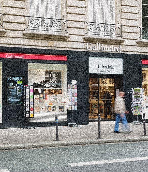 Devanture de la librairie Gallimard Boulevard Raspail à Paris qui sommes nous