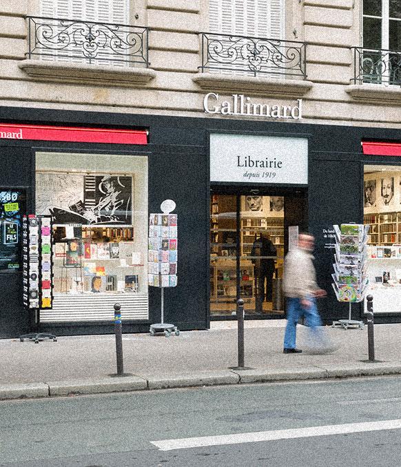 Devanture de la librairie Gallimard Boulevard Raspail � Paris qui sommes nous