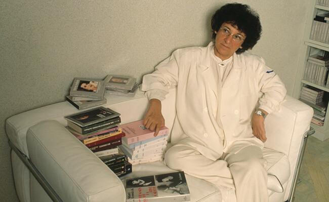 Antoinette Fouque crée la Librairie des femmes